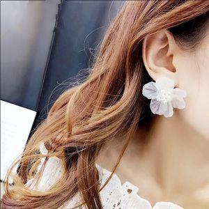 White Acrylic Big Flower Stud Earrings